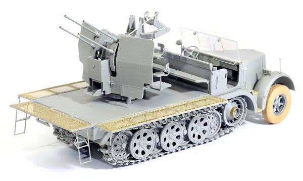 Some Pictures of Dragons new Sd.kfz 7/1 kit _DSC2250