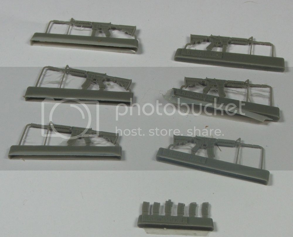 Live Resin 35002 US Army M4 carbine with rail interface system  LiveResin350023