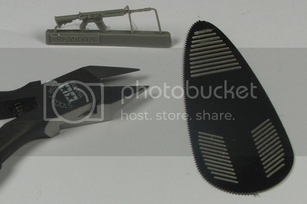 Live Resin 35002 US Army M4 carbine with rail interface system  LiveResin350024