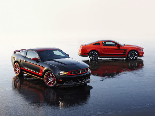 sera solo un rumor?? 2012-Mustang-Boss-302-11