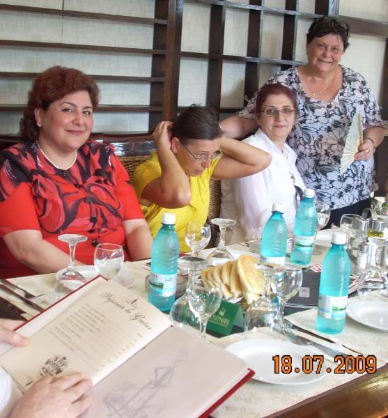 "18 iulie 2009-Volumul de versuri ""Saruta-mi lacrima""a doamnei Atena Mariana Zara prezentat iesenilor CuprieteniilaOscar3"
