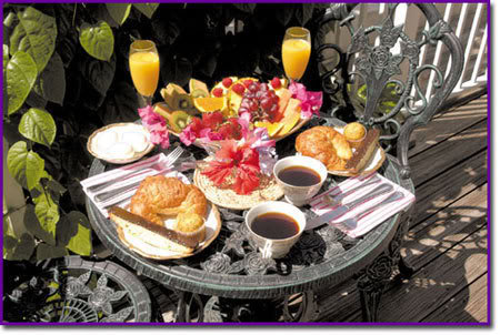 Ysapy, invitada al desayuno.  Breakfast3