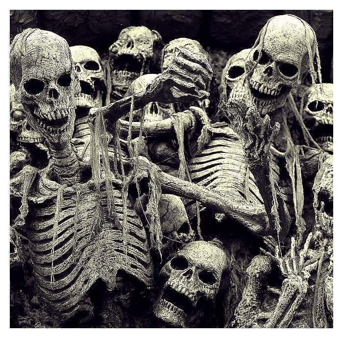 Noć vještica - Halloween ! Gdje idete? Slavite li? Ukrašavate li bundeve? Maskirate li se? Horror_Show