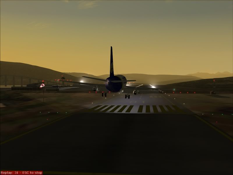 FS9 - Final em Tromso.... que Sol,um belo aeroporto ... Foto-2008-jul-30-033