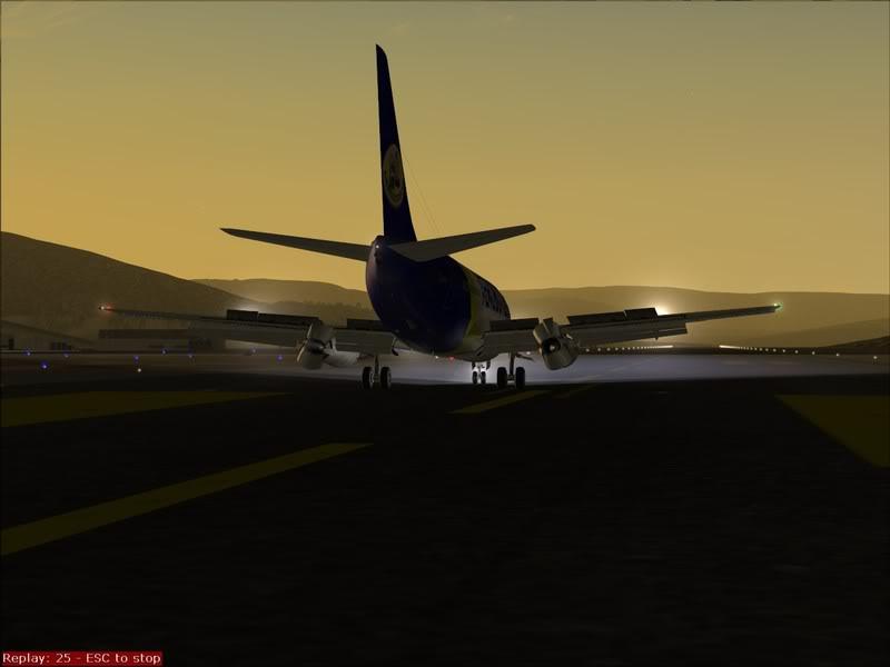 FS9 - Final em Tromso.... que Sol,um belo aeroporto ... Foto-2008-jul-30-041