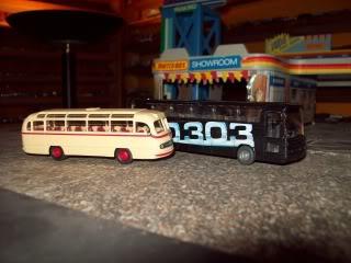 Mercedes 0-303 y 0-321 Wiking y Brekina 000_0018-1