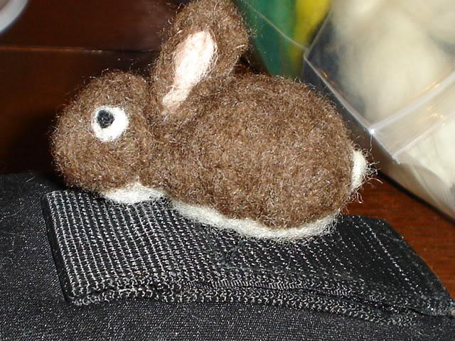 Coniglietto e folletta, lana cardata DSC02789
