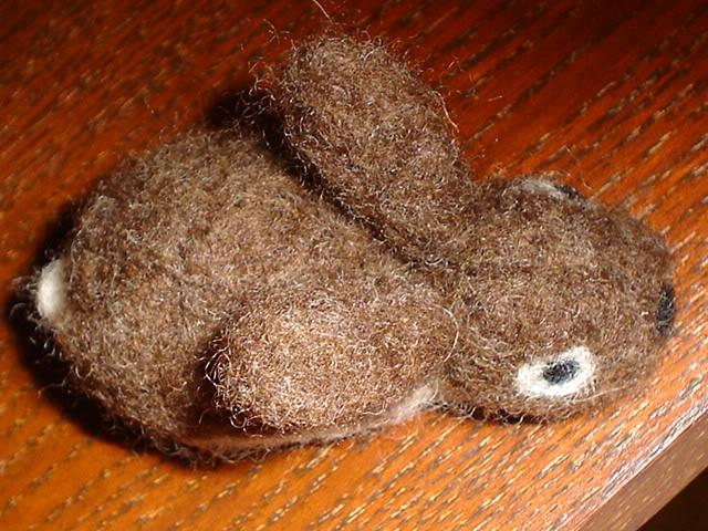 Coniglietto e folletta, lana cardata DSC02793