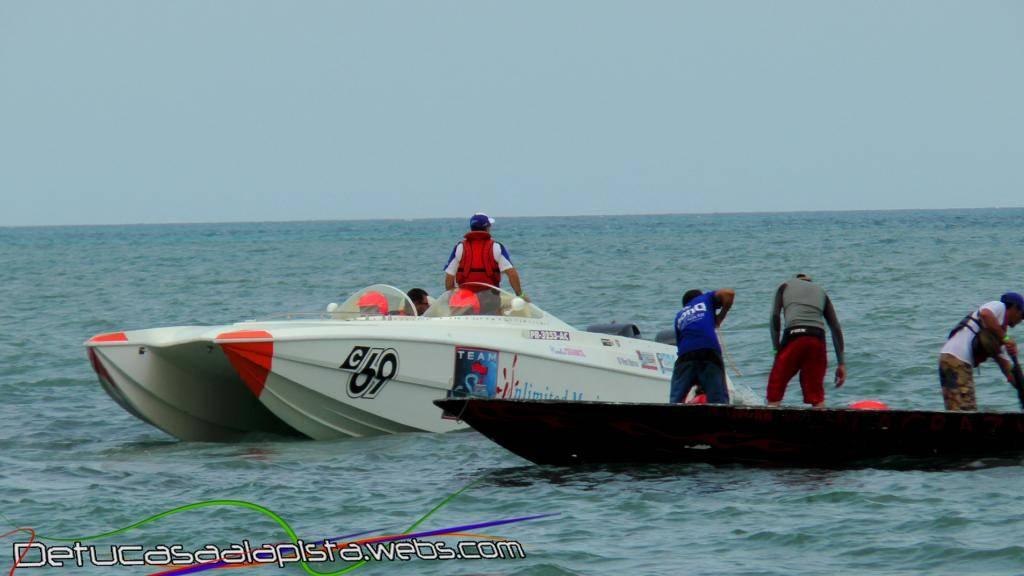 Fotos del Aguada Offshore Grand Prix 11040153_zps87623b77