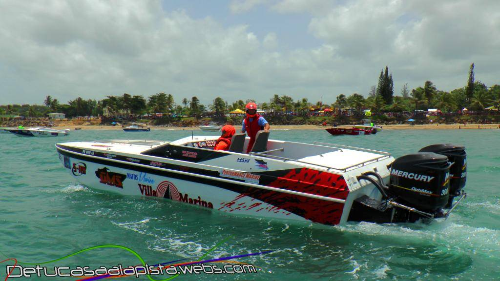 Fotos del Aguada Offshore Grand Prix 11040160_zps18ea37d5