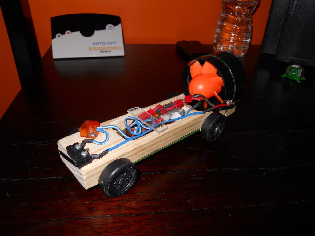 Ducted Fan Pinewood Derby Car! (Fast 1.4 second run!) DSCN0149