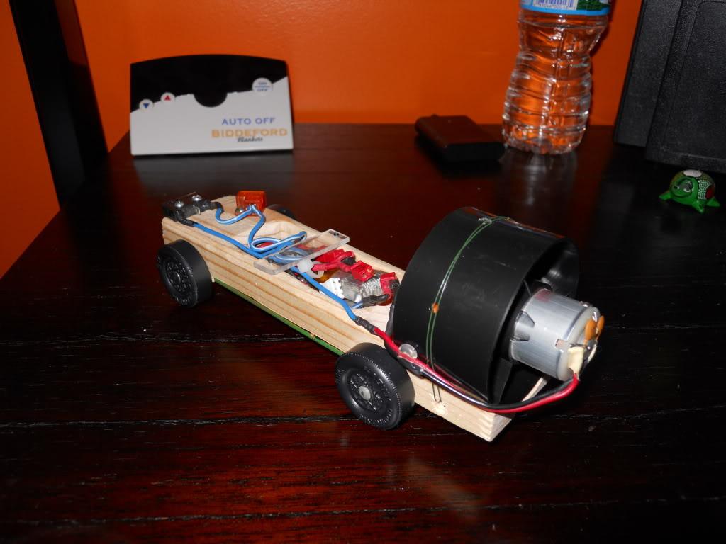 Ducted Fan Pinewood Derby Car! (Fast 1.4 second run!) DSCN0150