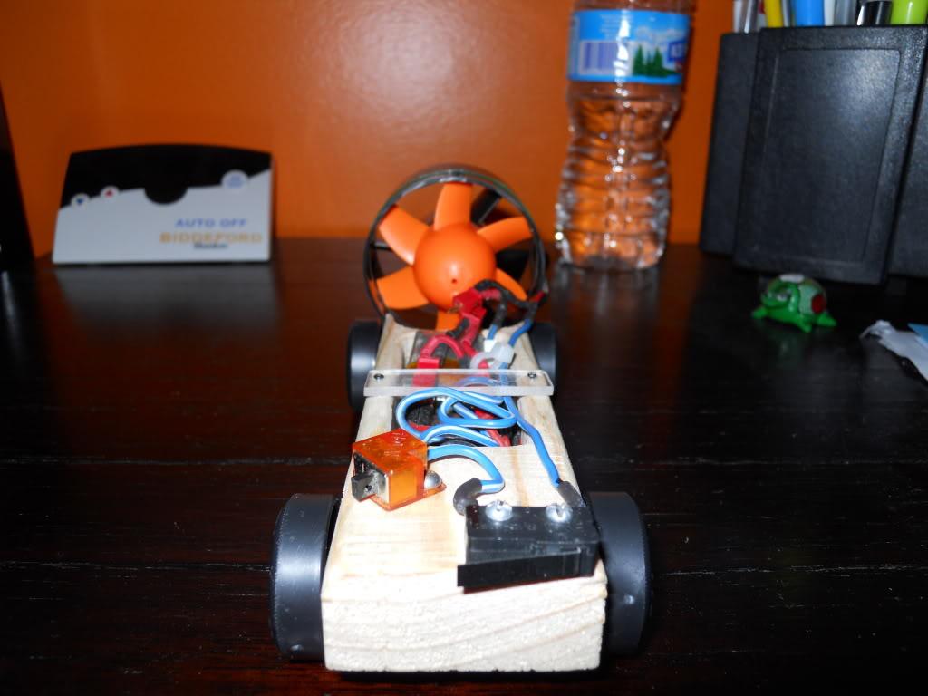 Ducted Fan Pinewood Derby Car! (Fast 1.4 second run!) DSCN0163