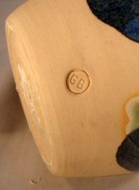 Can anyone ID this studio pottery vase please Studio%202%20small_zpsjtxkjlrw