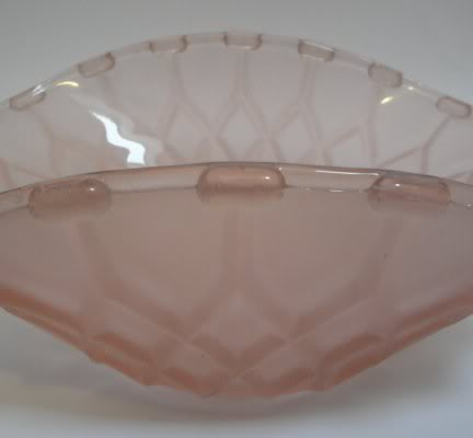 Can anyone help to identify/date this glass bowl in metal basket  Glassbasket4