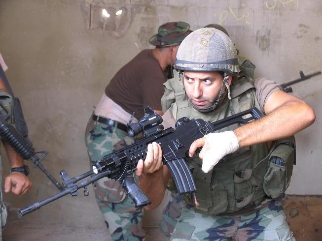 عروض قتالية لمغاوير الجيش في ثانوية حاصبيا IMG_0162
