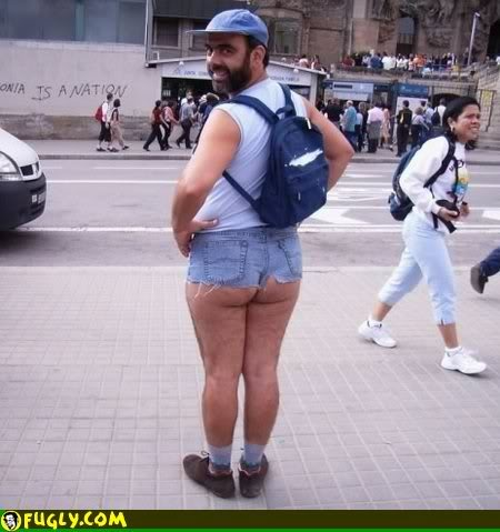 SALUT A TOUS Freak-in-tight-jeans-shorts