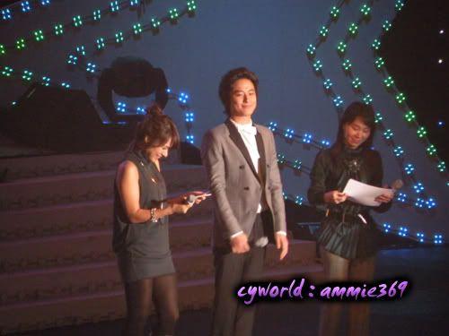 LeeJeeHoon sang in Seoul Hallyu Festival 24/10/08 DSCN1190copy