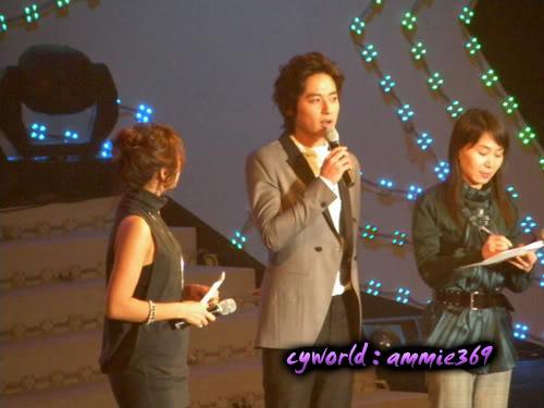 LeeJeeHoon sang in Seoul Hallyu Festival 24/10/08 DSCN1208copy