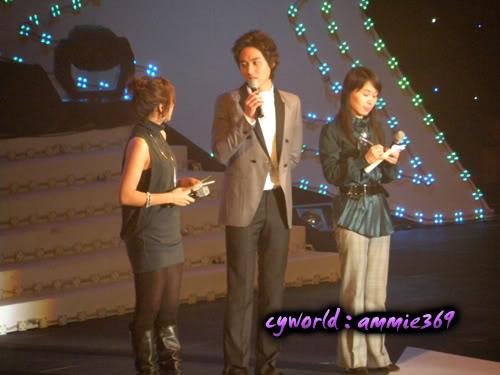 LeeJeeHoon sang in Seoul Hallyu Festival 24/10/08 DSCN1210copy