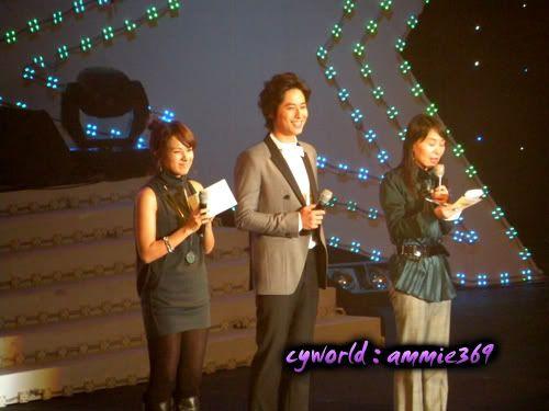 LeeJeeHoon sang in Seoul Hallyu Festival 24/10/08 DSCN1211copy