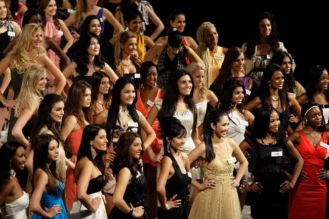 Official thread of Barbora Franekova - Miss Slovakia World 2009 - Page 4 026175-miss-world-2009