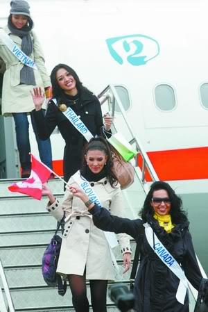 Sona Skoncova - Miss Slovak Republic International 2009 (Official Thread) - Page 4 11474661_993285