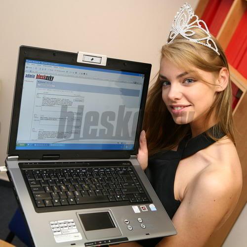 EDITA KRESAKOVA - Miss Slovakia World 2008 Edita-Kresakova-missforza08-Miss-4