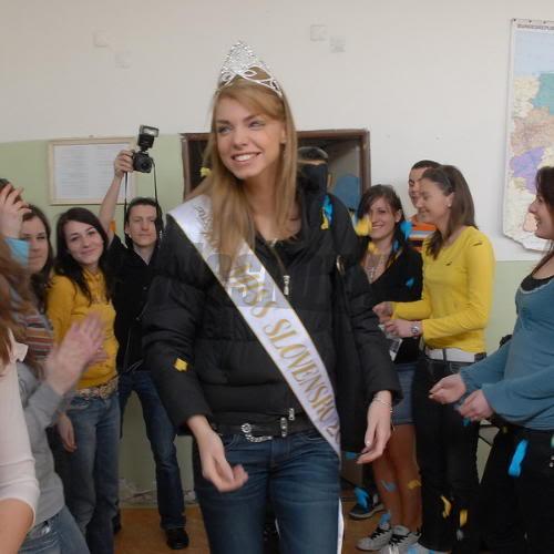 EDITA KRESAKOVA - Miss Slovakia World 2008 Edita-kresakova-missforza08-skol-2