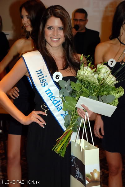 Road to MU Slovak Republic 2010! This Sunday! Post your bets! - Page 5 Missuniverse2010tlacovka_0032