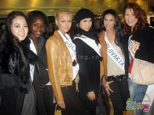 Sona Skoncova - Miss Slovak Republic International 2009 (Official Thread) - Page 3 T253281