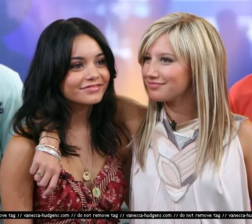 Official Vanessa & Ashley Gallery - Page 3 Vanessa-ashley-tisdale