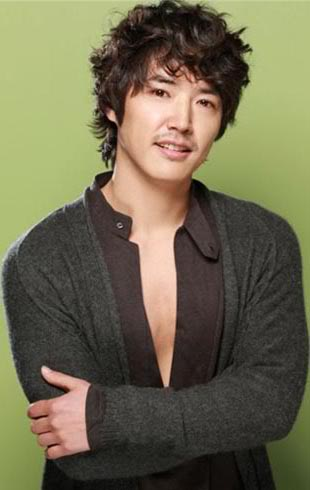 YEH: AT PRESENT - Page 2 Yoonsanghyun_8