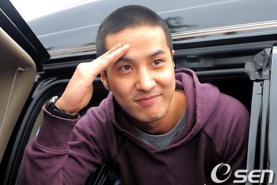 Kim Ji-suk (Personal Taste) ingresó al ejército Kimjisuk_army7