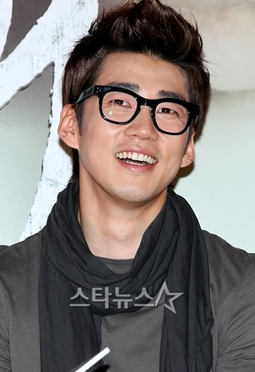 "[KA] Yoon Kye-sang: ""Wishing love for everyone…crushes are heartbreaking!"" Yks_134"