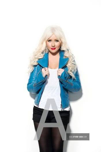 Xtina on cover of US Weekly (June 2011) 03-1