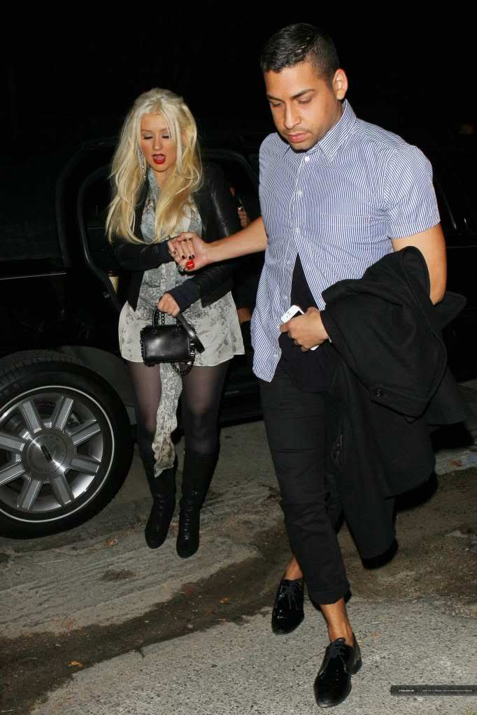 Xtina out in Studio City 03-2