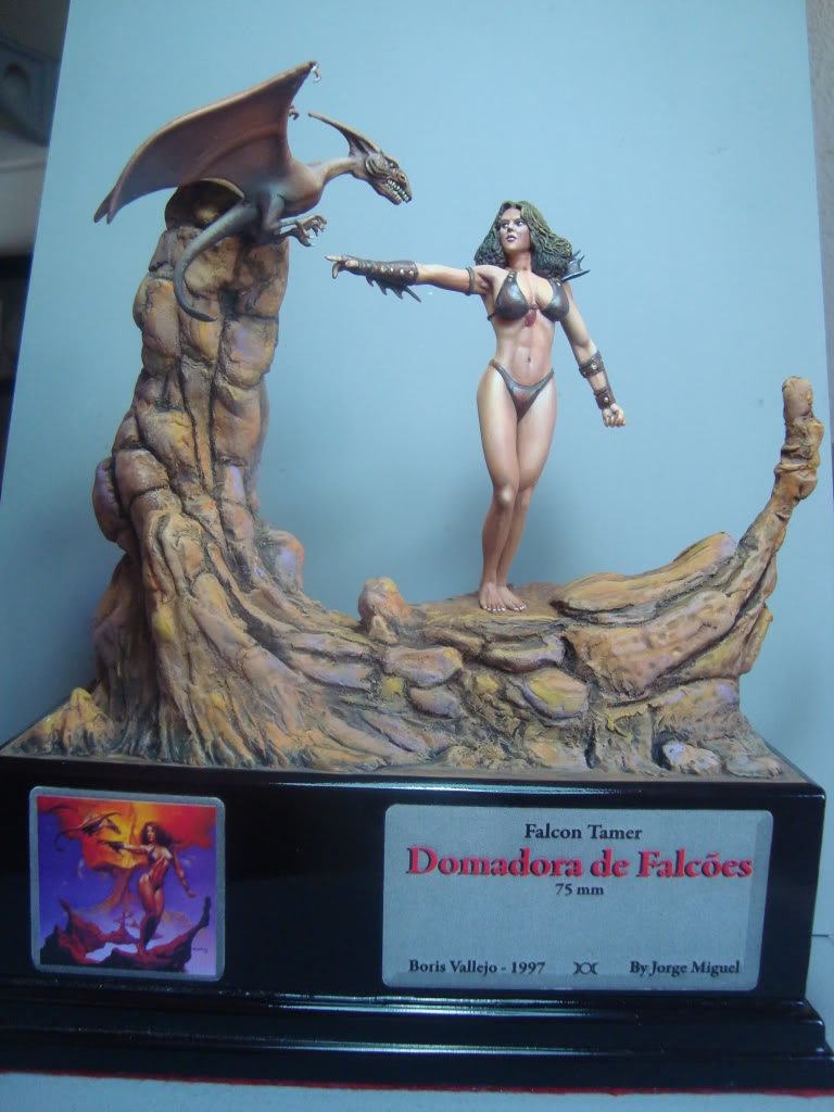 Vinheta  ¨Domadora de dragões ¨ 54mm Escultura em durepox DSC06011