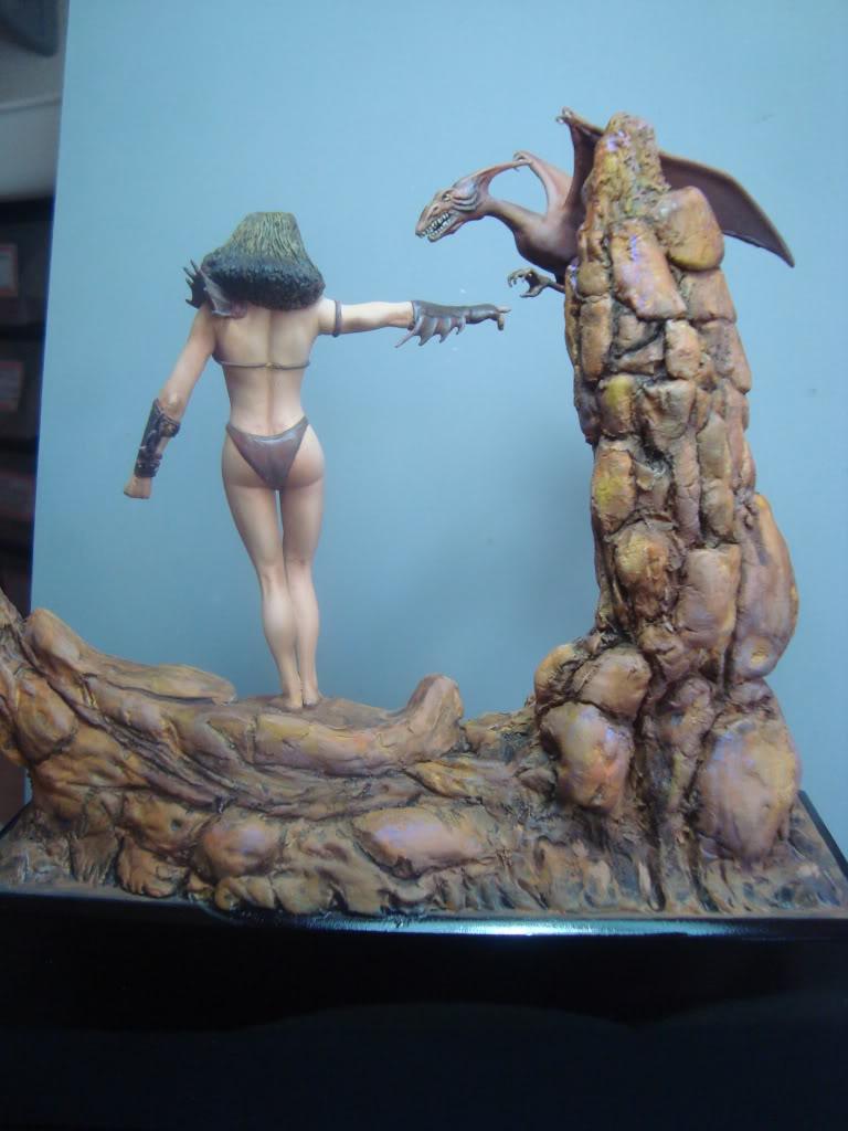 Vinheta  ¨Domadora de dragões ¨ 54mm Escultura em durepox DSC06015