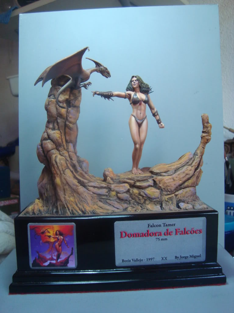 Vinheta  ¨Domadora de dragões ¨ 54mm Escultura em durepox DSC06017