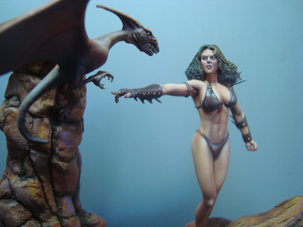Vinheta  ¨Domadora de dragões ¨ 54mm Escultura em durepox DSC06018