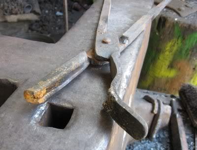 kovanje kovačkih klješta Kljesta4