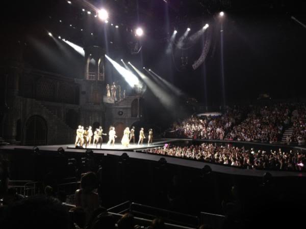 "Gira >> ""The Born This Way Ball Tour"" [5]  - Página 47 Ar5JILxCEAASf6S"