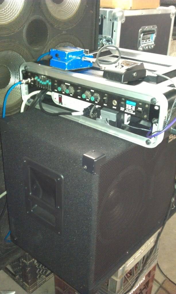 show us yours pedalboards / stacked rackmount effects IMAG1251_zps0569c293