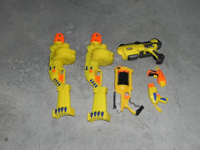 Spring cleaning - A whole heap of blasters and accessories FOR SALE DSCN8699_zpsfc418d22