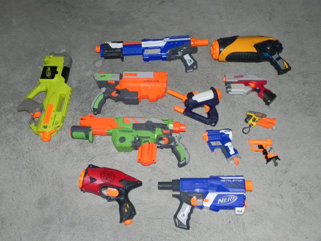 Spring cleaning - A whole heap of blasters and accessories FOR SALE DSCN8700_zps97914075