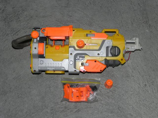 Spring cleaning - A whole heap of blasters and accessories FOR SALE DSCN8702_zpsad18cd39