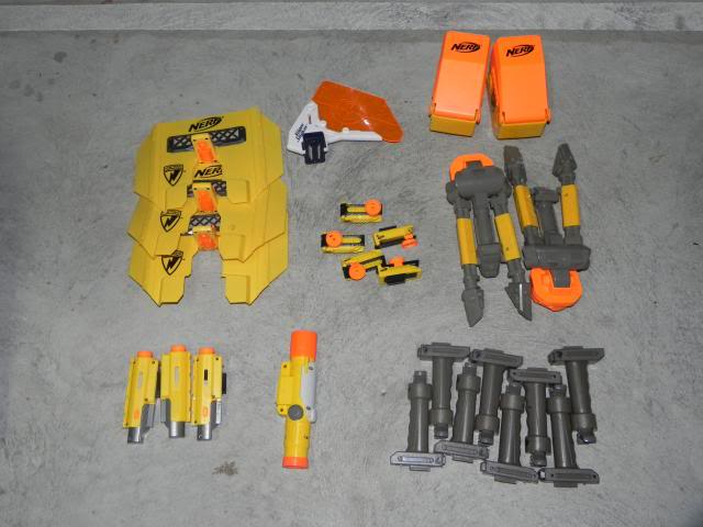 Spring cleaning - A whole heap of blasters and accessories FOR SALE DSCN8704_zpsc3130179