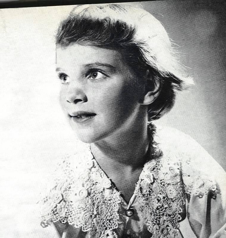 Ana-María de Dinamarca, reina de Grecia. - Página 2 D89-1