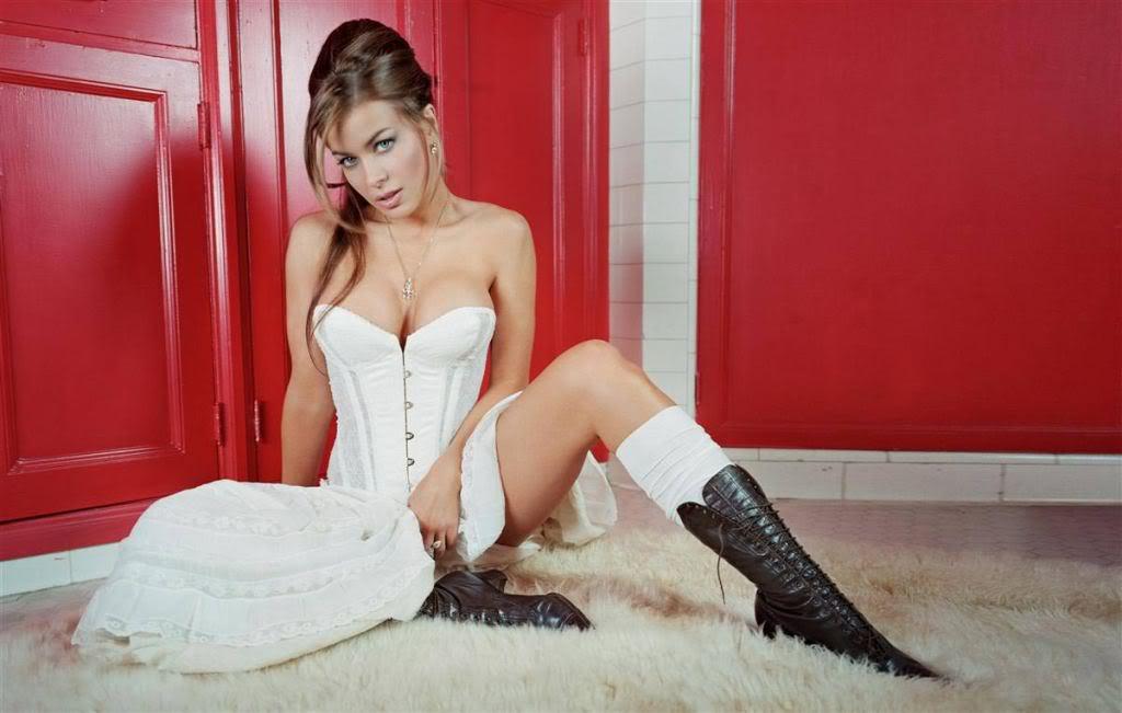 As mulheres mais belas do mundo!!! - Página 2 Carmen-electra-new-8